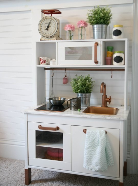 10 ikea hacks kuchni duktig pomys y i inspiracje for Ikea child kitchen set